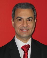 Agente de seguros Tony Pearce