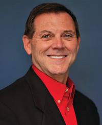 Agente de seguros Max Garnett